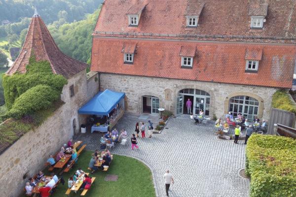Cafeteria - Ansicht von oben - Burghof